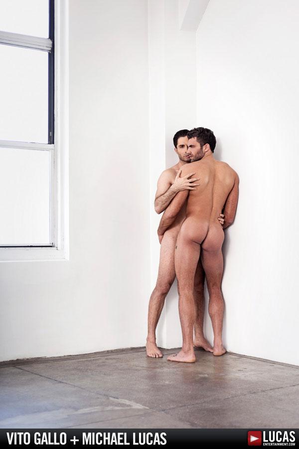 is cyndi lauper gay