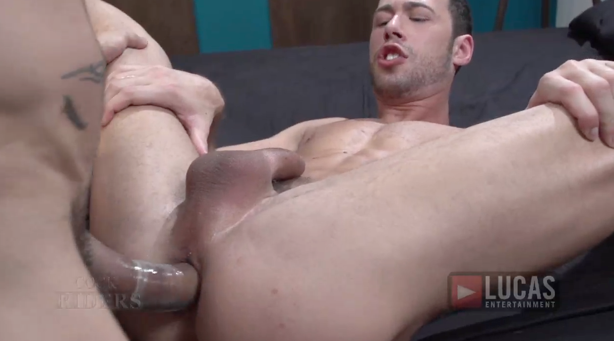 Power Bottom Brandon Jones Rides Rafael Alencar's Massive Cock