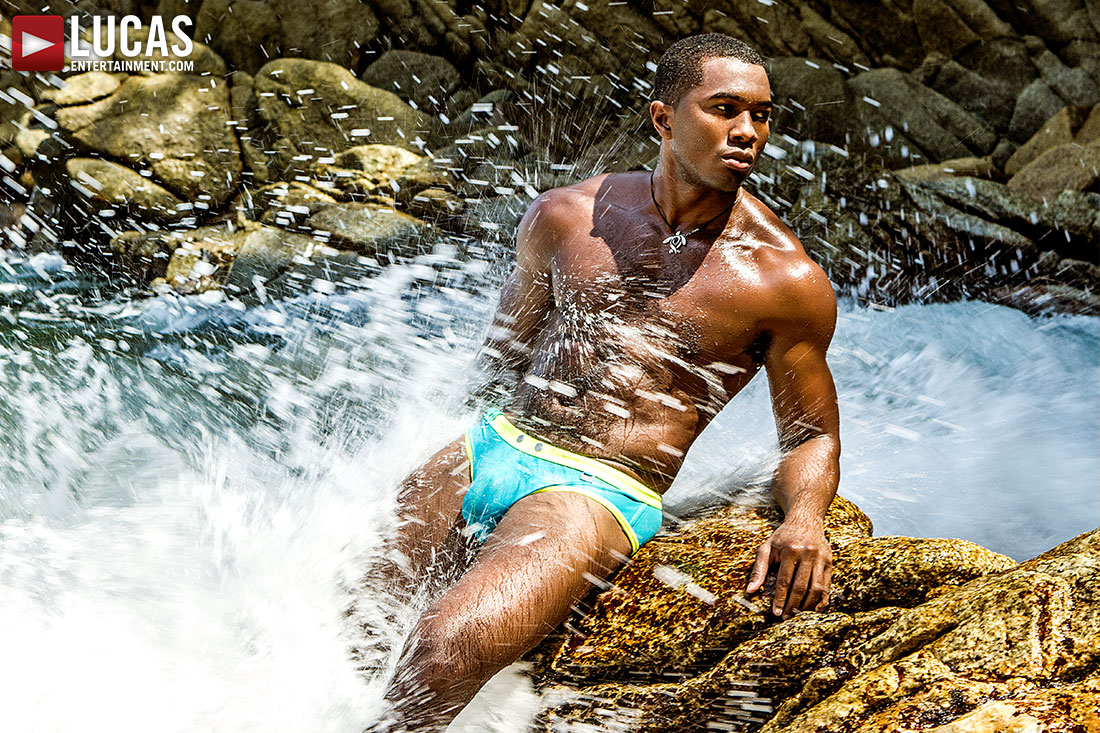 Revel In Sean Xavier And His Package