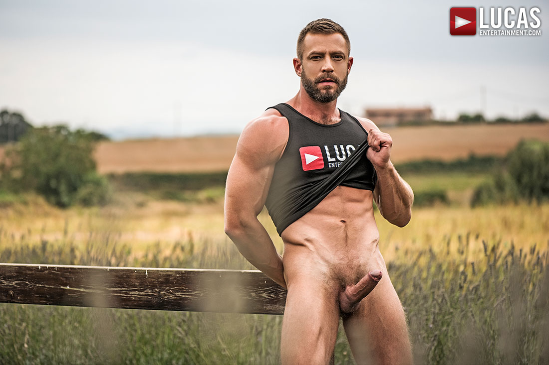 Bulrog Poses As A Muscle-Bear Roughneck