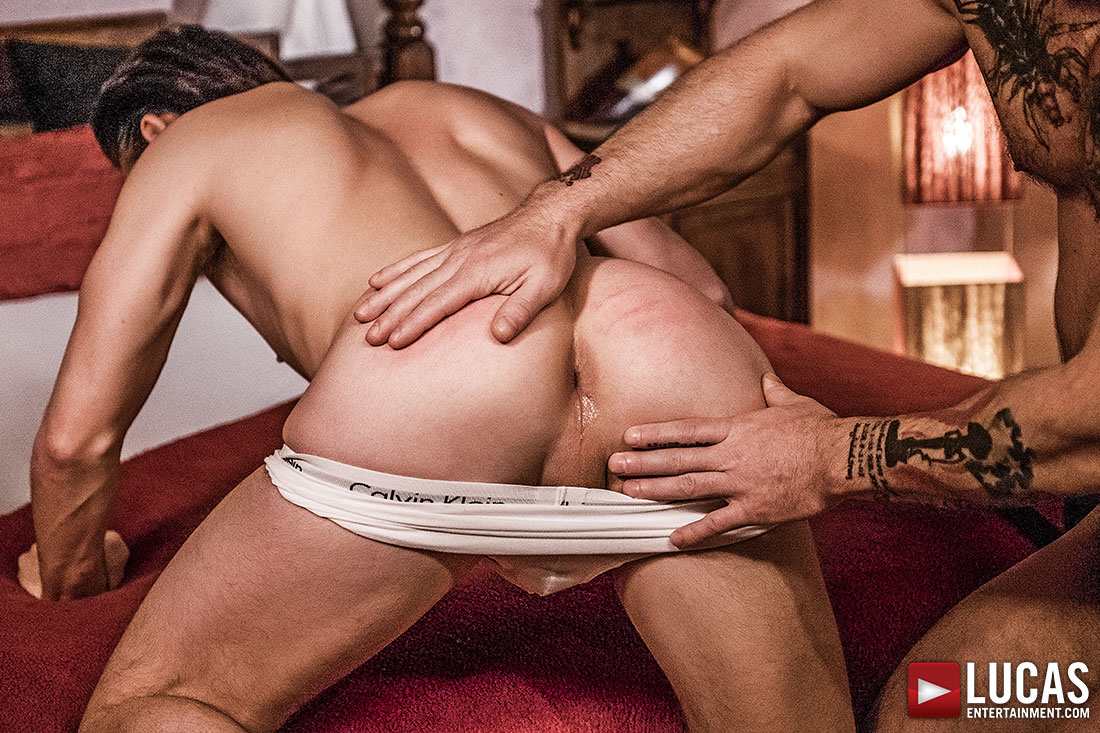 Sergeant Miles Goes Alpha For Submissive Jon Bae