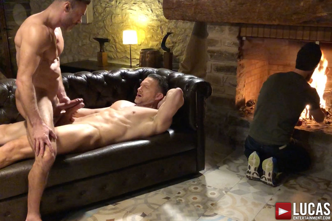 Bonus Behind The Scenes Content From Manuel Skye's Bottoming Debut