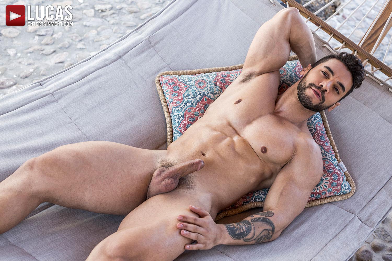 Arad Winwin: Handsome, Muscular, Alpha Top